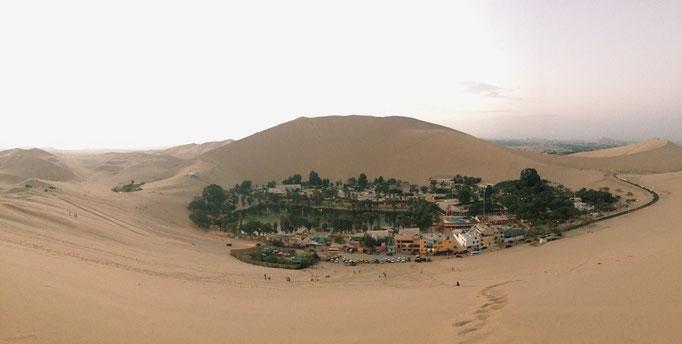 イカに来た目的は砂漠の中のオアシス ワカチナの町へ来るため 想像の中や絵本の中のオアシスを形にしたような場所