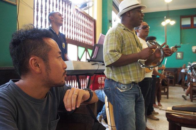 ハバナでは気軽にサルサを聴きながら飲めるお店がたくさん モヒートやラムを飲みながらまったり過ごしてしまいます
