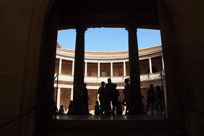 カルロス5世の宮殿の中の様子