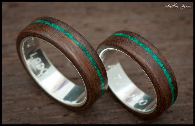 nº 131 Alianzas de madera doblada de palosanto amazonas con incrustaciones de malaquita y plata.