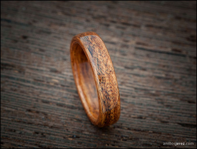 nº47 Anillo de madera de Palosanto Amazonas
