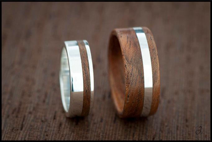 Nº 96 (izquierda) y 97 (derecha) Anillos de madera de etimoe y plata.