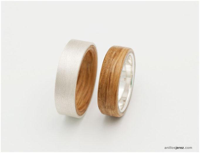 nº323 (izquierda) nº322 (derecha). Anillos de madera doblada de roble y plata.