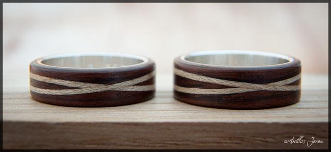 nº89 (izquierda) y nº90 (derrecha) Alianzas de madera doblada de Paoferro con incrustaciones de madera de arce. Interior de plata.