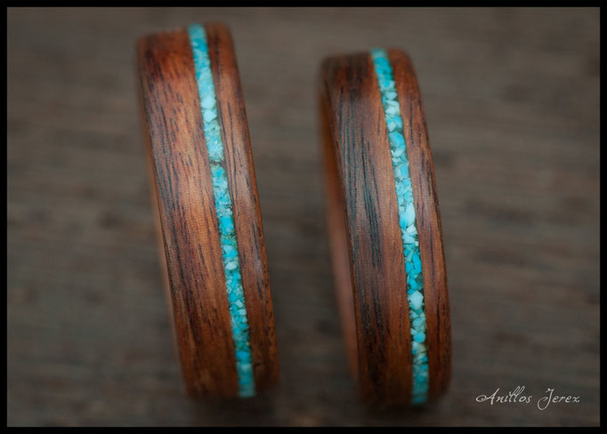 nº 136 Alianzas de madera doblada de palosanto amazonas con incrustaciones de  turquesa.