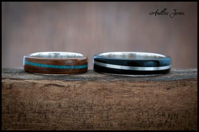 nº157 (izquierda) nº 156 (derecha) Anillos de madera doblada de mongoy y ébano makassar con incrustaciones de turquesa y plata. Interior de plata