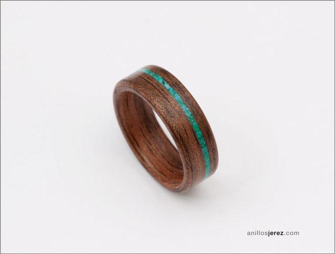 nº350 Anillo de madera doblada de nogal con incrustaciones de turquesa y malaquita.