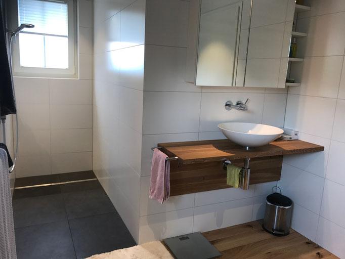 Umbau Badezimmer Wandbeläge aus Keramik Uttwil