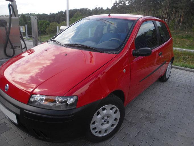 Glänzender Fiat Punto nach der Politur