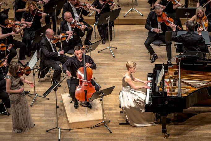 Lodz Philharmonic conducted by Ivan Monighetti May 2016 photo: Dariusz Kulesza
