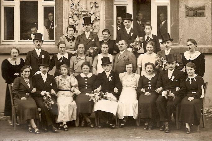 Kirmesgesellschaft 1937/ Archiv Crawinkler- Runde
