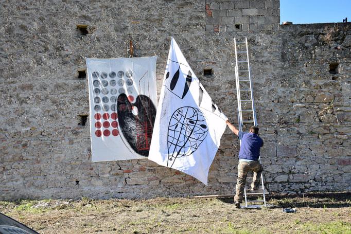 Sistemazione delle opere lungo il muro della EX Fabbrica CIRIO di Paestum - 2016