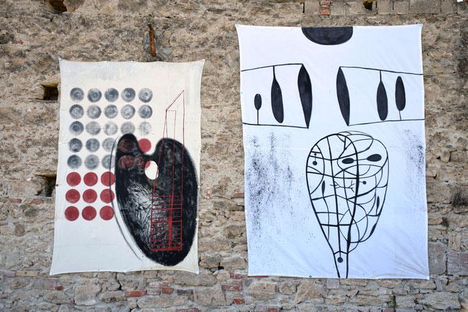 Opere su tela di A. M. RISI e A. CASCIELLO sistemate lungo muro esterno della ex fabbrica CIRIO di Paestum - 2016