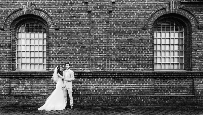 Hochzeitsbilder vor einer Industriekulisse in Bochum. Euer Hochzeitsfotograf für die besonderen Bilder.