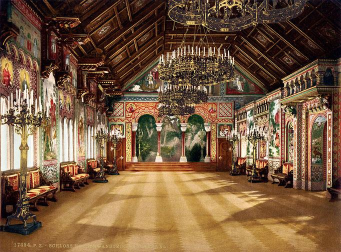 Der größte Raum des Schlosses ist der 27 mal 10 Meter messende Sängersaal, der sich im nach Osten gerichteten Trakt des Palas im vierten Obergeschoss über der Wohnung des Königs befindet.