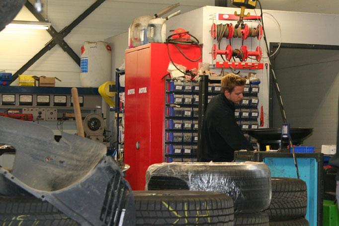 Reifenservice: Reifen wechseln, Reifen wuchten - in der Kfz-Werkstatt in Rutesheim bei Leonberg