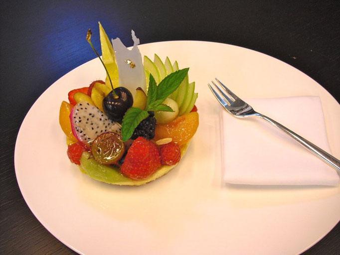 Cheesecake mit saisonalen Früchten