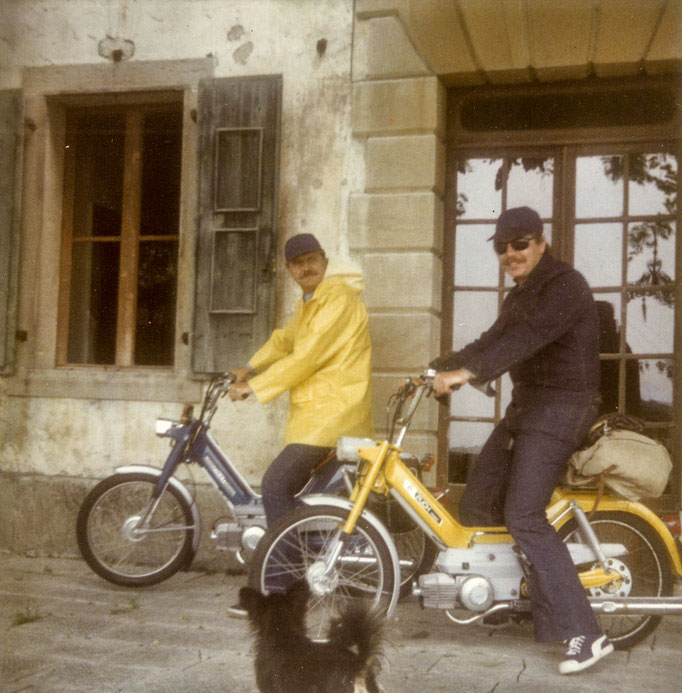 HC Artmann und Peter Rosei auf Mopeds, Ipplis 1977