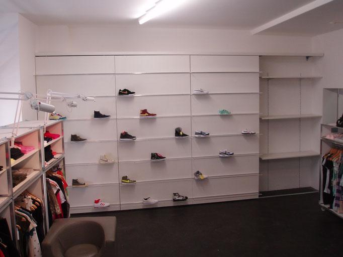 Verschiebbare Schuhwände mit Lagerregal für Schuhkartons