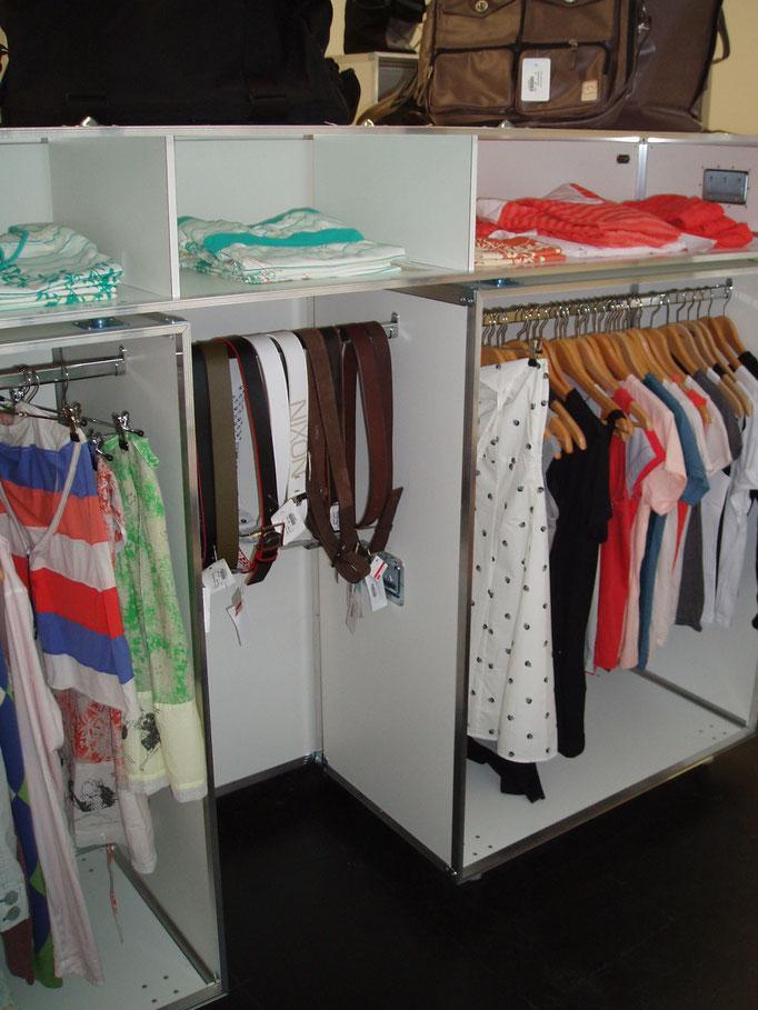 Konfigurationsmöglichkeit mit Kleiderstangen