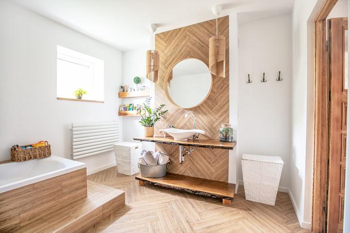 Badezimmer Holzvertäfelung