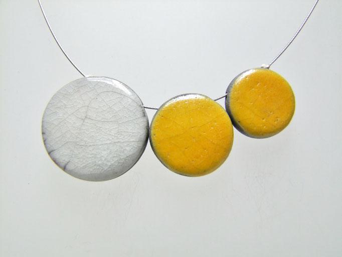 collier raku jaune et blanc