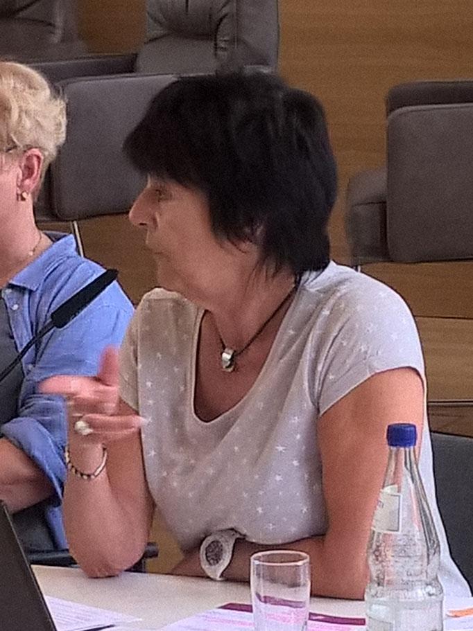 Ulrike Knauff-Arendt berichtet aus dem Arbeitssicherheitsausschuss der Landeskirche