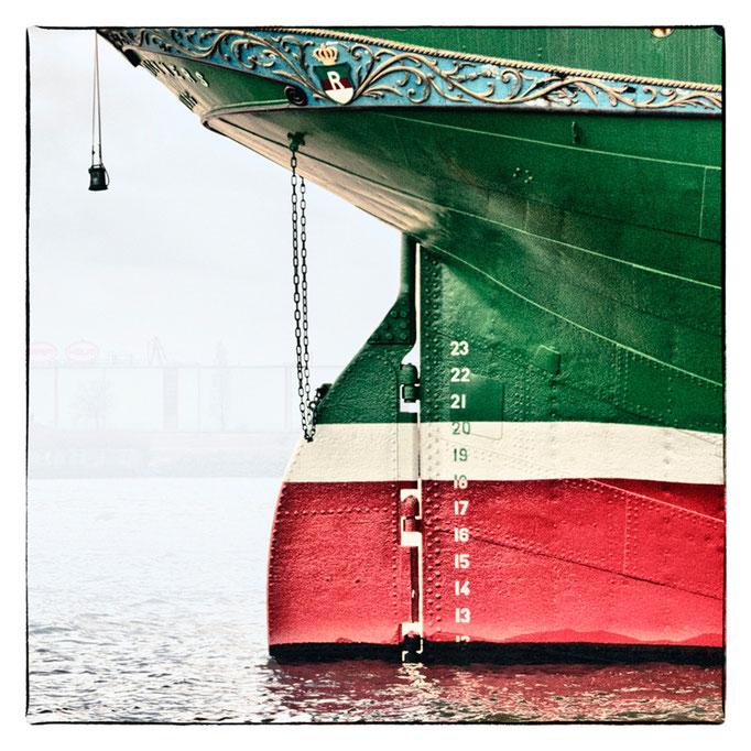 Hafen Impression 4 · 40 x 40 cm · Leinwand auf Keilrahmen: € 150,- ·  Aludibond: € 190,- ·  Acrylglas auf Aludibond: € 240,-