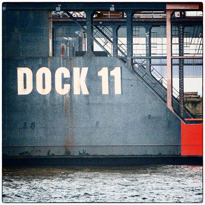 Hafen Impression 68 · 40 x 40 cm · Leinwand auf Keilrahmen: € 150,- ·  Aludibond: € 190,- ·  Acrylglas auf Aludibond: € 240,-