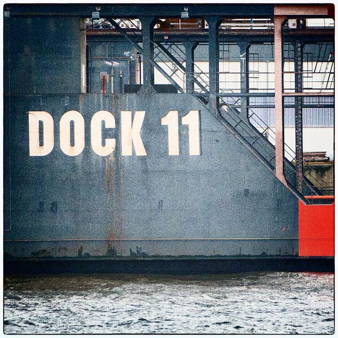 Hafen Impression 68 · 40 x 40 cm · Leinwand auf Keilrahmen: € 320,- ·  Aludibond: € 420,- ·  Acrylglas auf Aludibond: € 530,-