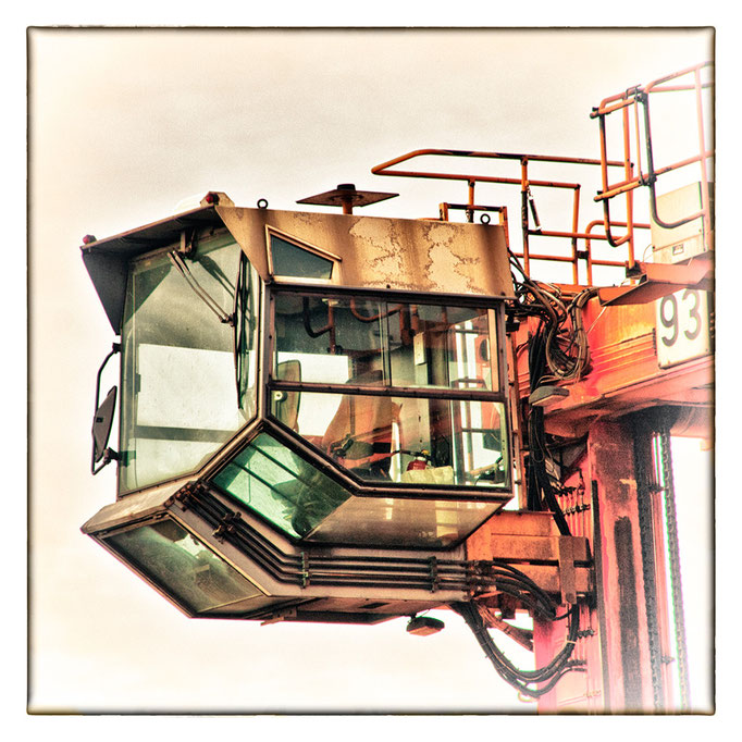 Hafen Impression 13a · 40 x 40 cm · Leinwand auf Keilrahmen: € 150,- ·  Aludibond: € 190,- ·  Acrylglas auf Aludibond: € 240,-