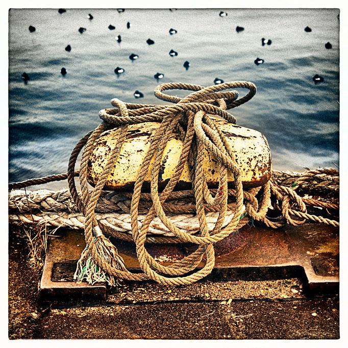 Hafen Impression 18 · 40 x 40 cm · Leinwand auf Keilrahmen: € 150,- ·  Aludibond: € 190,- ·  Acrylglas auf Aludibond: € 240,-