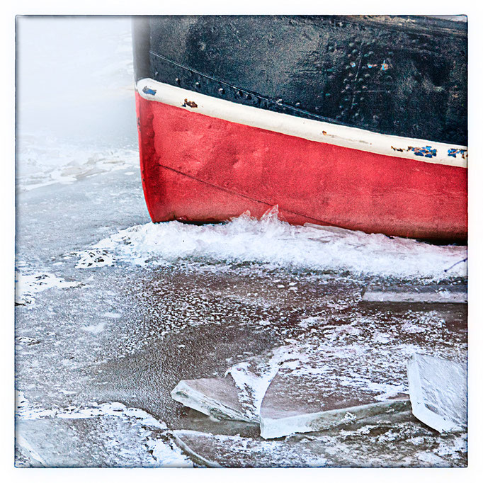 Hafen Impression 34 · 40 x 40 cm · Leinwand auf Keilrahmen: € 150,- ·  Aludibond: € 190,- ·  Acrylglas auf Aludibond: € 240,-