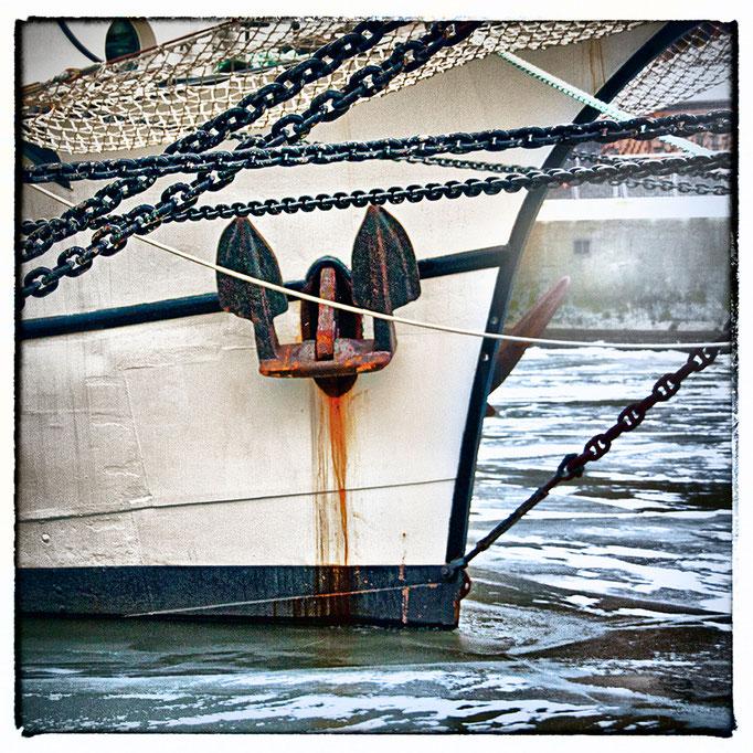 Hafen Impression 20 · 40 x 40 cm · Leinwand auf Keilrahmen: € 150,- ·  Aludibond: € 190,- ·  Acrylglas auf Aludibond: € 240,-