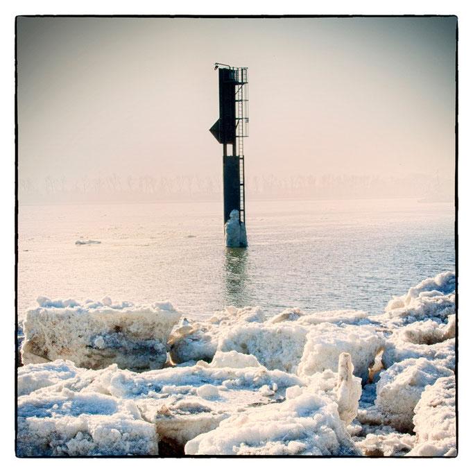 Hafen Impression 54 · 40 x 40 cm · Leinwand auf Keilrahmen: € 150,- ·  Aludibond: € 190,- ·  Acrylglas auf Aludibond: € 240,-
