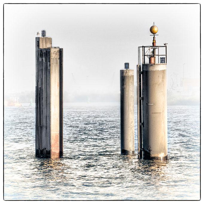 Hafen Impression 1 · 40 x 40 cm · Leinwand auf Keilrahmen: € 150,- ·  Aludibond: € 190,- ·  Acrylglas auf Aludibond: € 240,-
