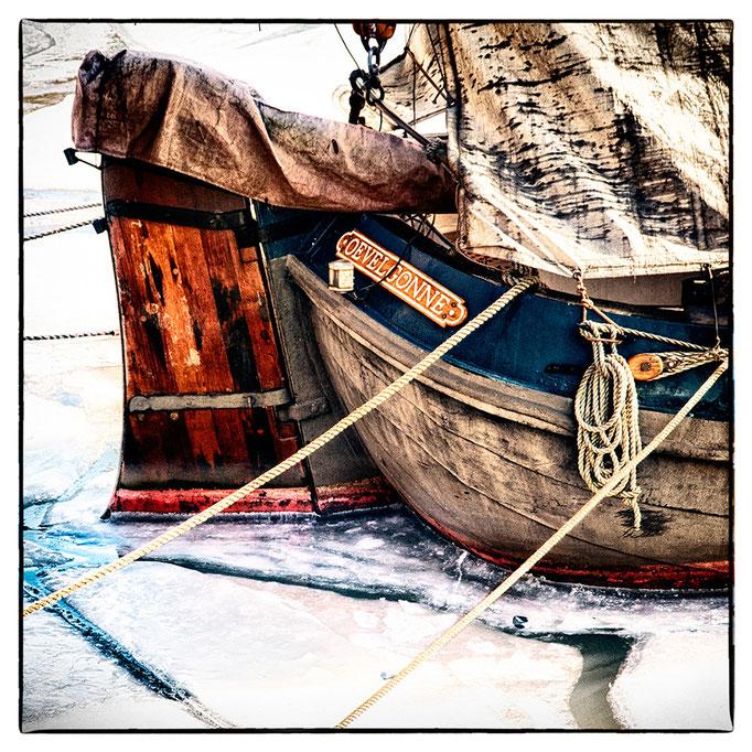 Hafen Impression 52 · 40 x 40 cm · Leinwand auf Keilrahmen: € 150,- ·  Aludibond: € 190,- ·  Acrylglas auf Aludibond: € 240,-