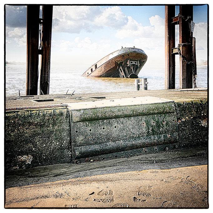 Hafen Impression 61 · 40 x 40 cm · Leinwand auf Keilrahmen: € 150,- ·  Aludibond: € 190,- ·  Acrylglas auf Aludibond: € 240,-