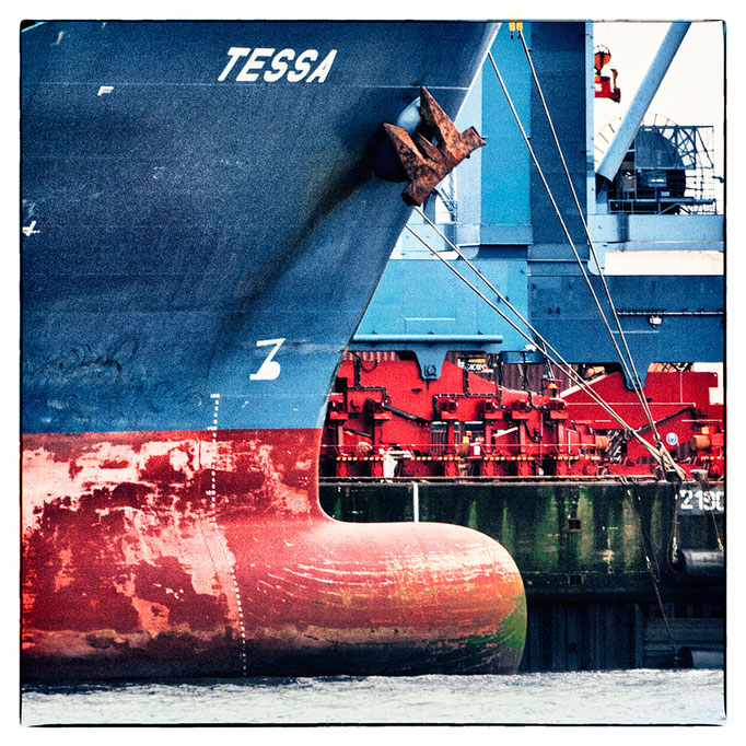 Hafen Impression 70 · 40 x 40 cm · Leinwand auf Keilrahmen: € 150,- ·  Aludibond: € 190,- ·  Acrylglas auf Aludibond: € 240,-