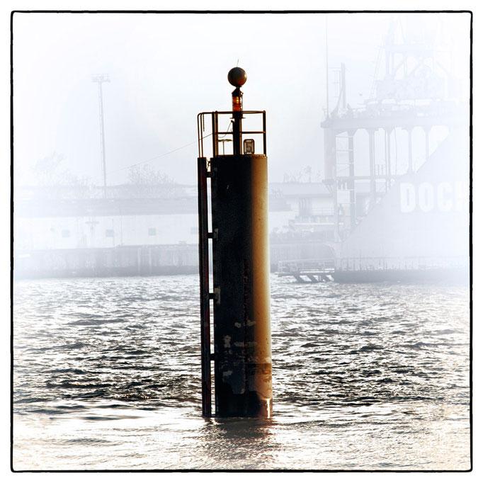Hafen Impression 3 · 40 x 40 cm · Leinwand auf Keilrahmen: € 150,- ·  Aludibond: € 190,- ·  Acrylglas auf Aludibond: € 240,-