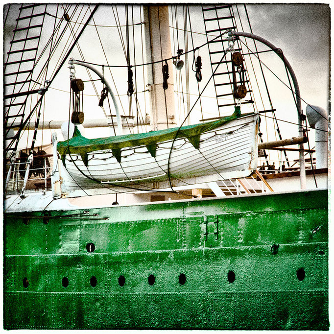 Hafen Impression 66 · 40 x 40 cm · Leinwand auf Keilrahmen: € 150,- ·  Aludibond: € 190,- ·  Acrylglas auf Aludibond: € 240,-
