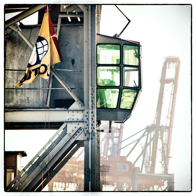 Hafen Impression 43 · 40 x 40 cm · Leinwand auf Keilrahmen: € 320,- ·  Aludibond: € 420,- ·  Acrylglas auf Aludibond: € 530,-
