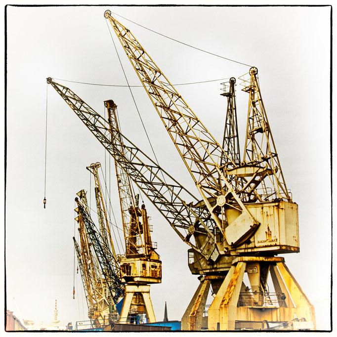 Hafen Impression 11 · 40 x 40 cm · Leinwand auf Keilrahmen: € 150,- ·  Aludibond: € 190,- ·  Acrylglas auf Aludibond: € 240,-