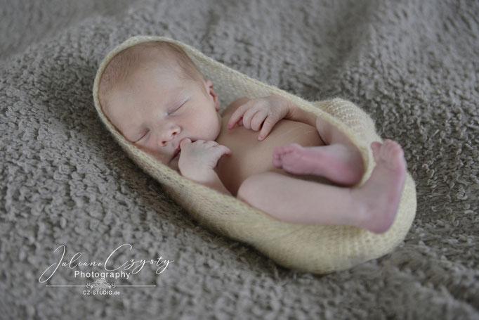 Neugeborenen-Shooting – Juliane Czysty, Fotografin in der Nähe von Rotenburg