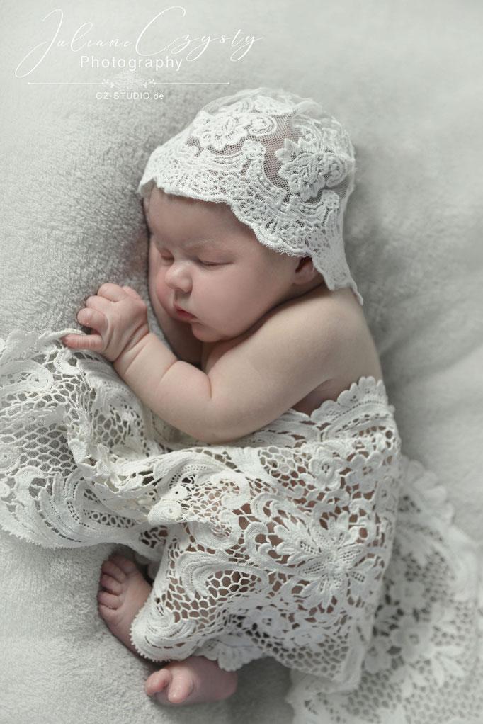 Fotostudio für Neugeborenen Fotografie - Juliane Czysty, Fotografin zwischen Hamburg und Bremen