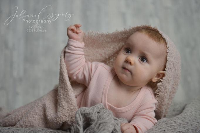 Babyfotografie - Juliane Czysty, Liebevolles Fotostudio für Familien ROW