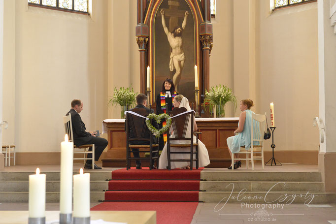 Fotos der kirchlichen Trauung – Juliane Czysty, Fotostudio in Visselhövede