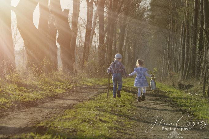 Geschwisterfotos als Geschenk – Juliane Czysty, Fotografin in der Nähe von Rotenburg