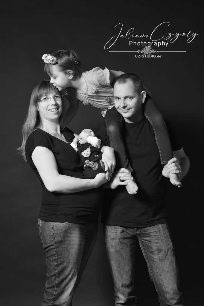Newbornshooting - Juliane Czysty, Familien Fotostudio bei Visselhövede
