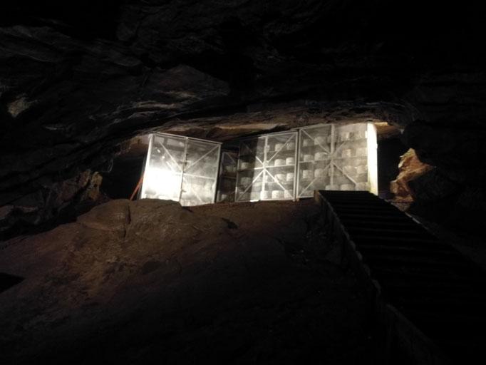 Die bekannte Höhle, in der bis heute auch ein Teil des bekannten Cheddar gelagert wird